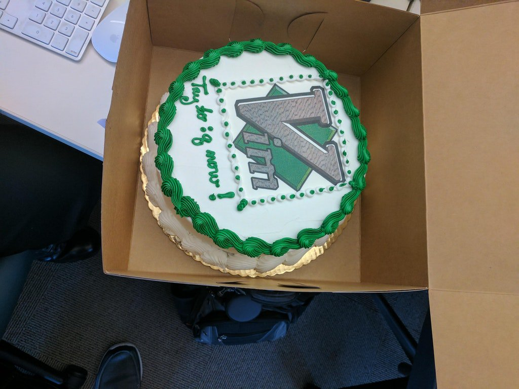 Vim cake, FTW. :D Via goo.gl/gHhDSz #linux #unix #sysadmin #DevOps