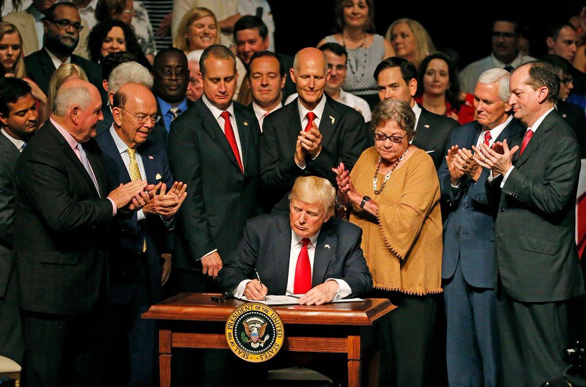 We praise President Trump's new Cuba policy (Op-Ed from @marcorubio, @SenatorMenendez and @MarioDB) https://t.co/RBgdL2lNMU