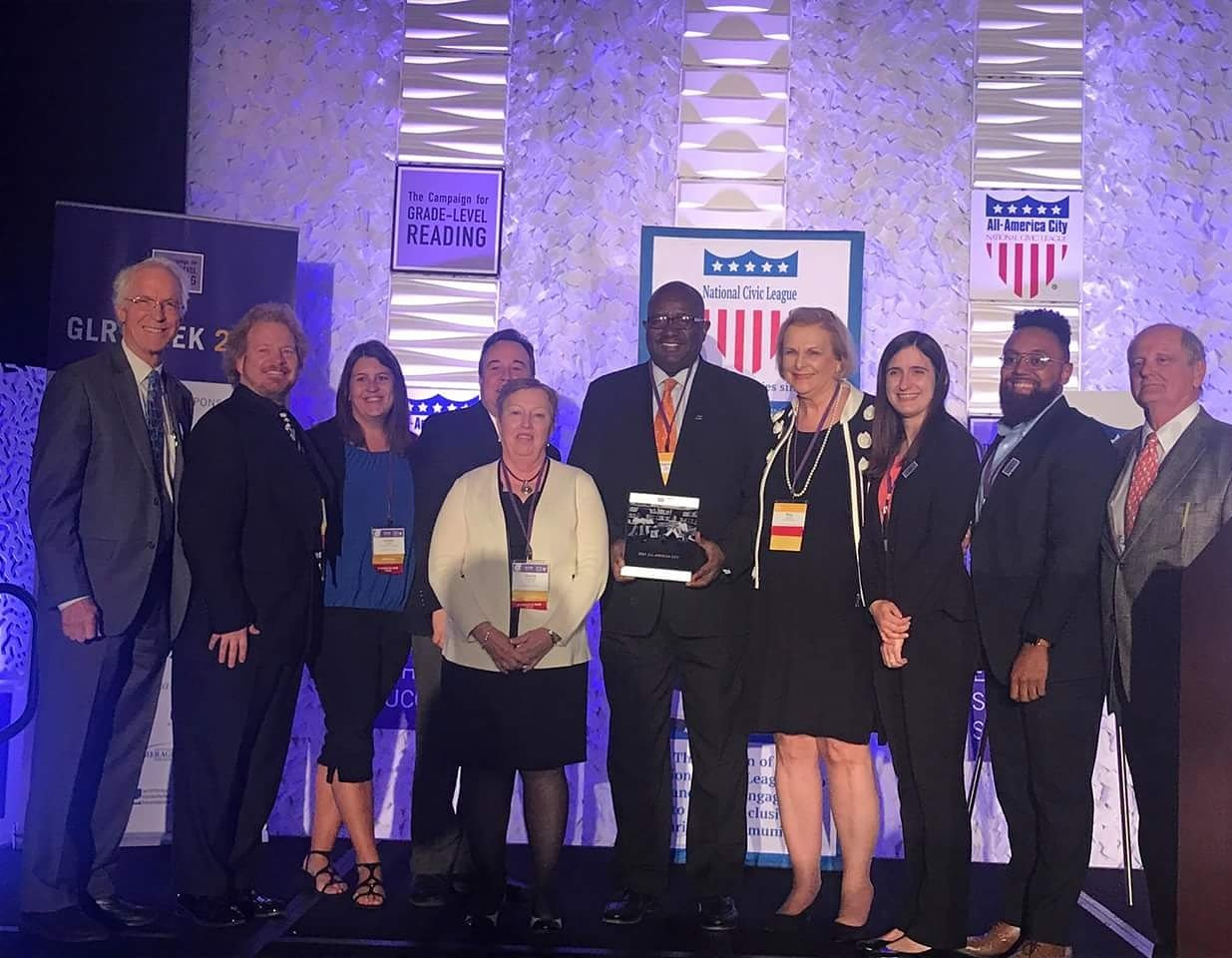 Forgot to post the picture! Here's the #roanoke team, including Mayor Lea! #GLRWeek https://t.co/qtvoBZabMo