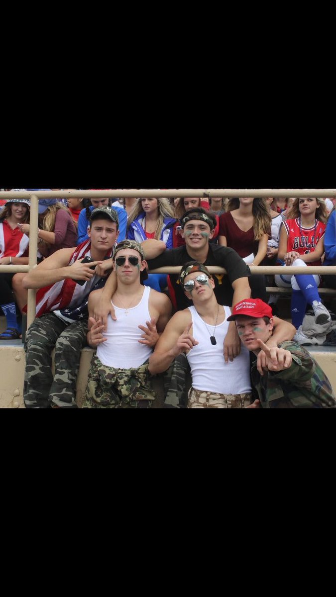 Happy birthday to my guy @ryan0616 wouldn&#39;t want to reign as student section leaders with anyone else #LastSectionEver #Guy <br>http://pic.twitter.com/H56XDX3IFc