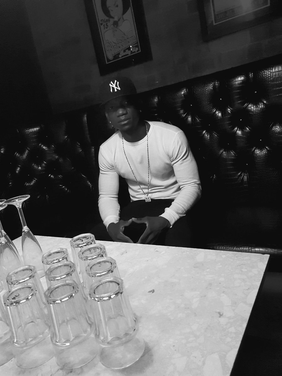 About to play bangers from mans like @Jhus @yxngbane  @TheBugzyMalone @Not3sofficial @TIONWAYNE plus more tun up #Djset #liverpool<br>http://pic.twitter.com/6nNbNfeZe0