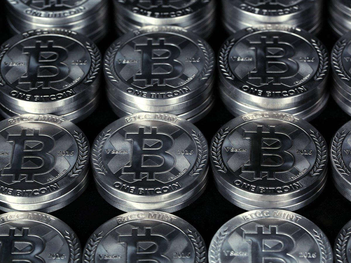 BTCC Twitter Mint Physical Bitcoin Will Appreciate In Value As The Supply Of Uncirculated Bitcoins Decreases Buy Yours Tco YYDri8s7Xn