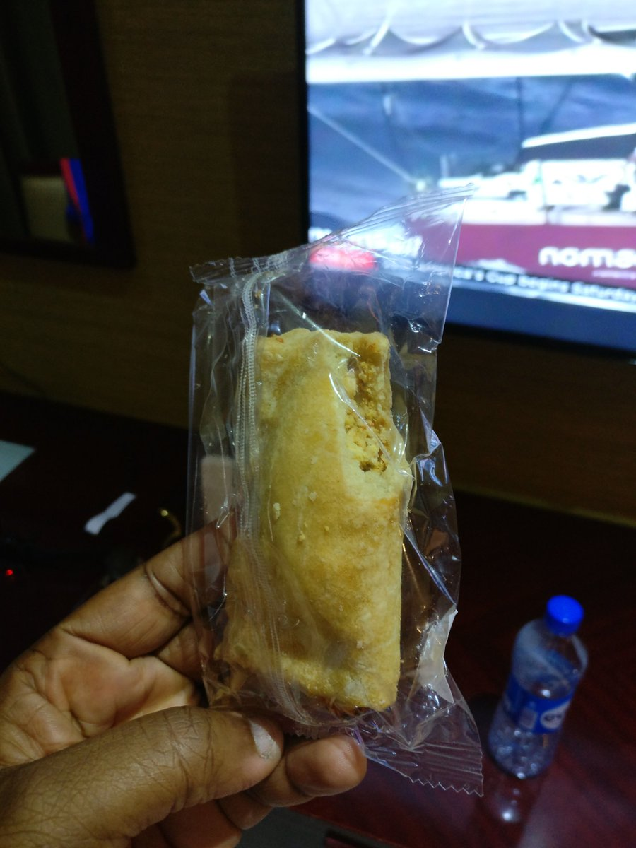 See snack medview gave yesterday. Lool. Just seeing it. Someone chowed before packing it @MedViewAirline https://t.co/3nCSeWCsDC