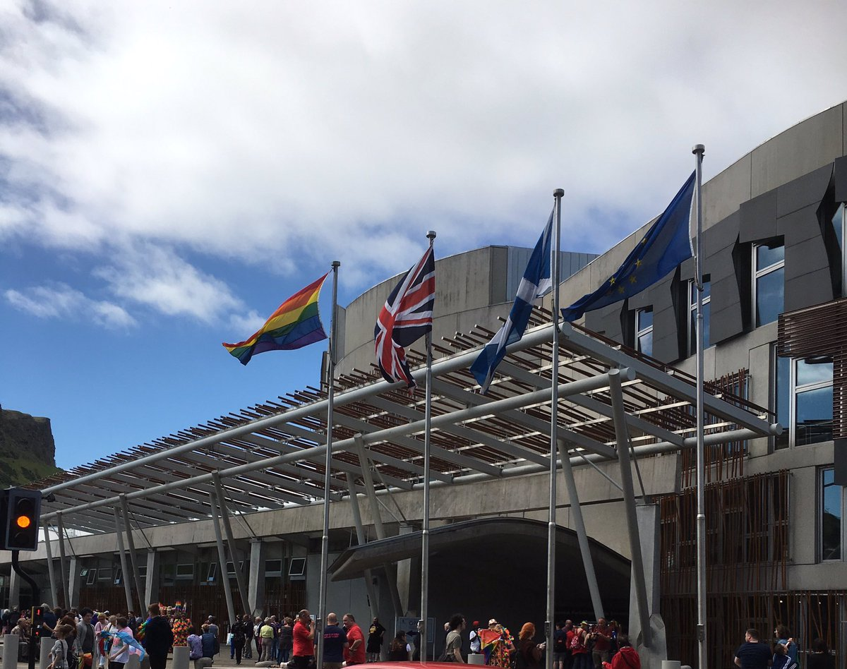 The Pride flag is flying over @ScotParl  today to celebrate with everyone gathering at Holyrood for #EdinburghPride https://t.co/8Lja9nxvmH