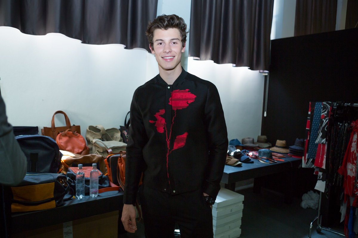 .@ShawnMendes moments before walking the finale of the #EmporioArmani #SS18 Men's Show. #MFW