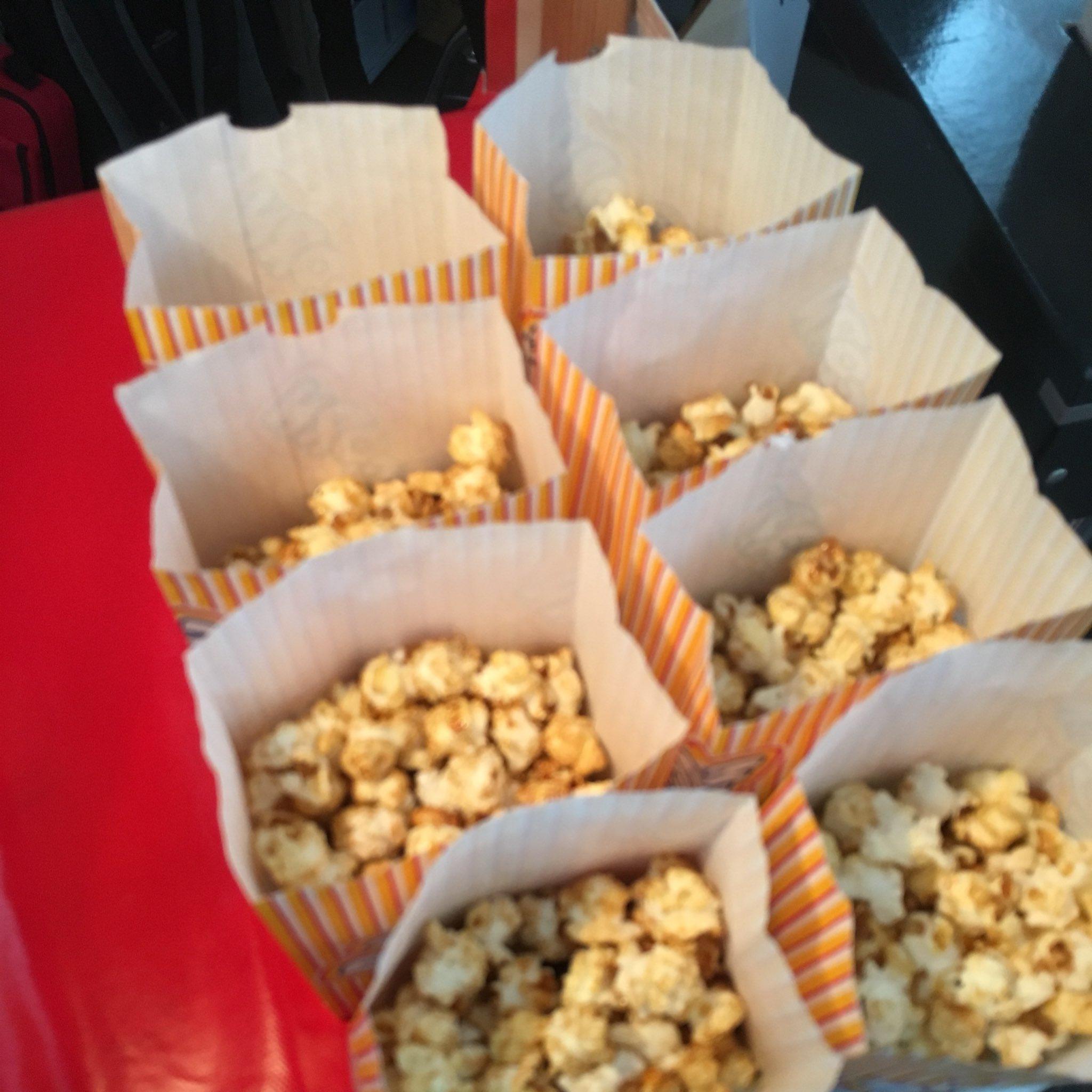 Die Leute beschweren sich: Auf der #wmdemv gibt es nur süßes Popcorn, kein salziges. https://t.co/ndnfnYJhec