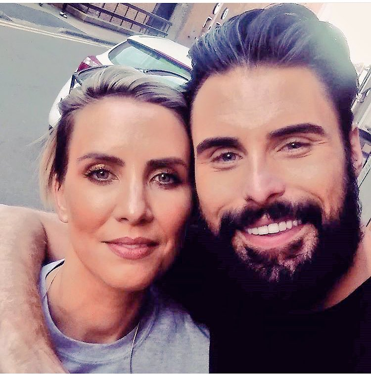 With the sister. Just love her @_ClaireRichards https://t.co/U5RAv7gzhx