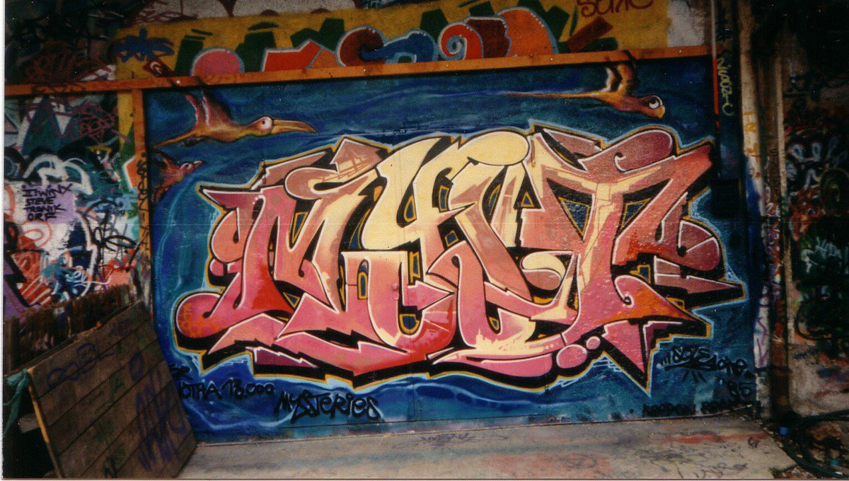 #Myst(l8&#39;80s) OLDbutGold #graffiti<br>http://pic.twitter.com/CgDOnsaVZ8