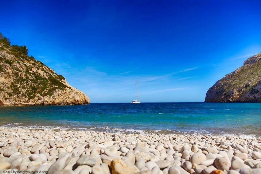 Another great shot from the Cala Granadella in Jávea.   #calagranadella #xabia #javea #costablanca #bay #cove #beach #bucht #lagoon #spain<br>http://pic.twitter.com/De8nODGT8u