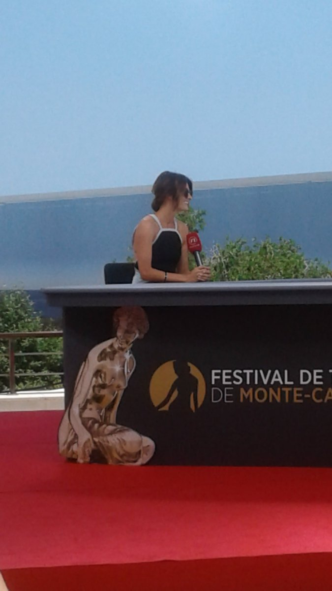 #StanaKatic is truly beautiful and amazing! She waved and smiled at me! I am so happy <br>http://pic.twitter.com/NA0cmhjPSZ