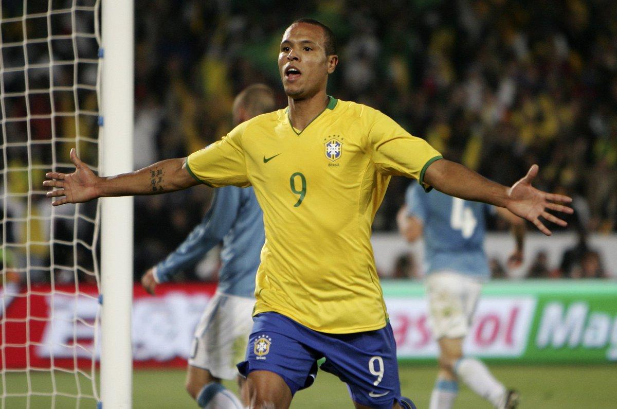 Luís Fabiano foi o artilheiro da Copa das Confederações de 2009 - 5 gols.