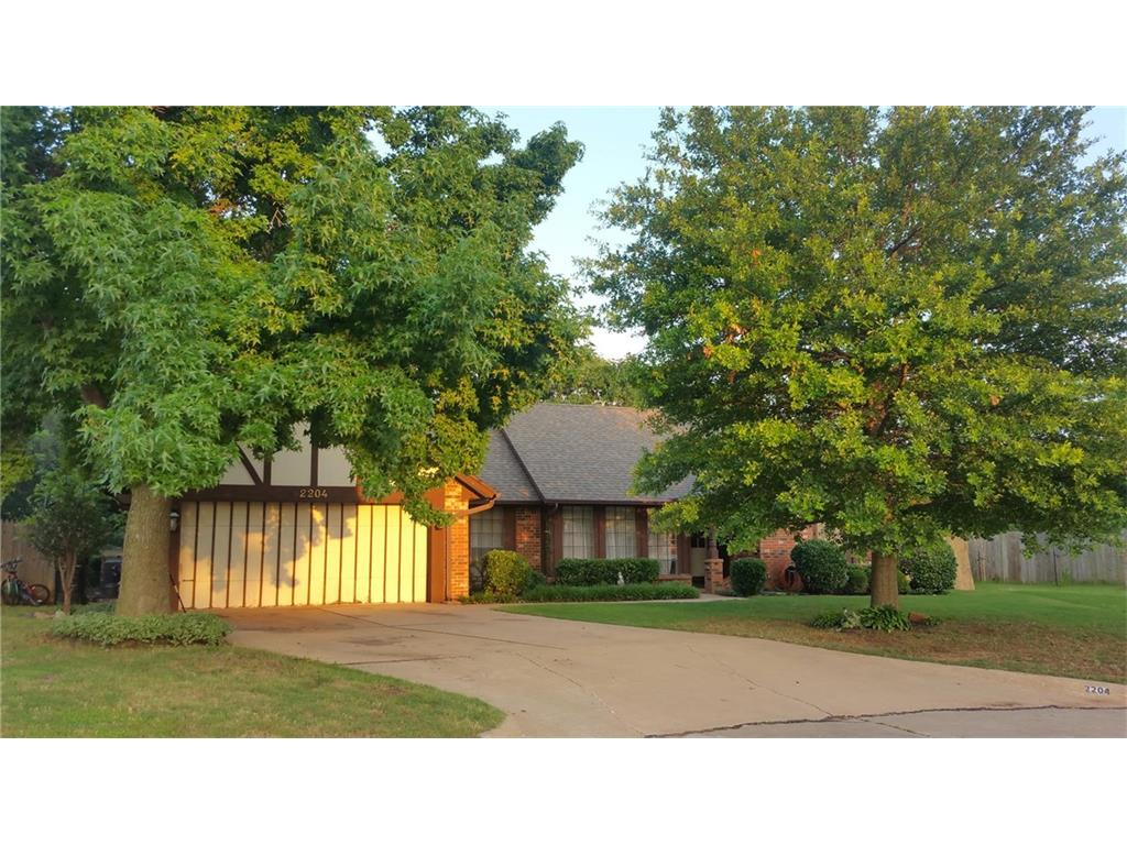 Check out our #listing in #Moore #OK  #realestate #realtor  http:// tour.circlepix.com/home/SSALVP  &nbsp;  <br>http://pic.twitter.com/WxvVIELDIR