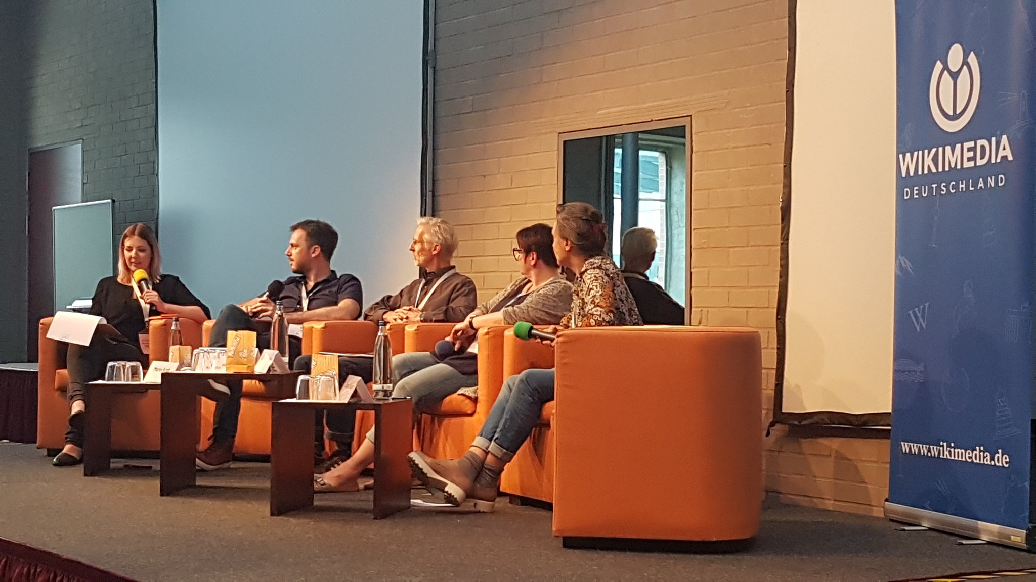 """Jetzt Abschlussdiskussion: Die Rolle der Wikipedia in """"postfaktischen"""" Zeiten #wmdemv https://t.co/su8HWEr0O2"""