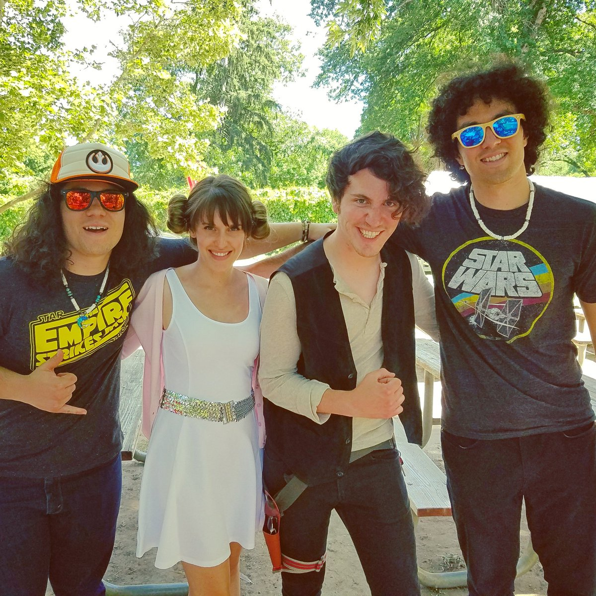 Galactic Day at the #Zoo, with #Han and #Leia too! Loved getting to perform at @ZooBoise #rhymes #zooboise #starwars #beauitful #saturday<br>http://pic.twitter.com/IGQv7SMxki