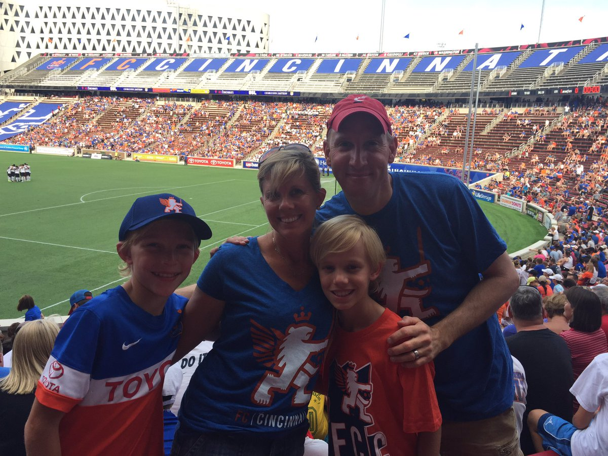 Kelly bettinger where to bet on super bowl 2016