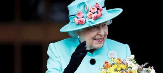 Wishing her Majesty the Queen a very Happy 91st Birthday ...   https:// youtu.be/ZdO4S6vuIdw  &nbsp;   #England #QueensBirthday <br>http://pic.twitter.com/y5H3sWYzBu