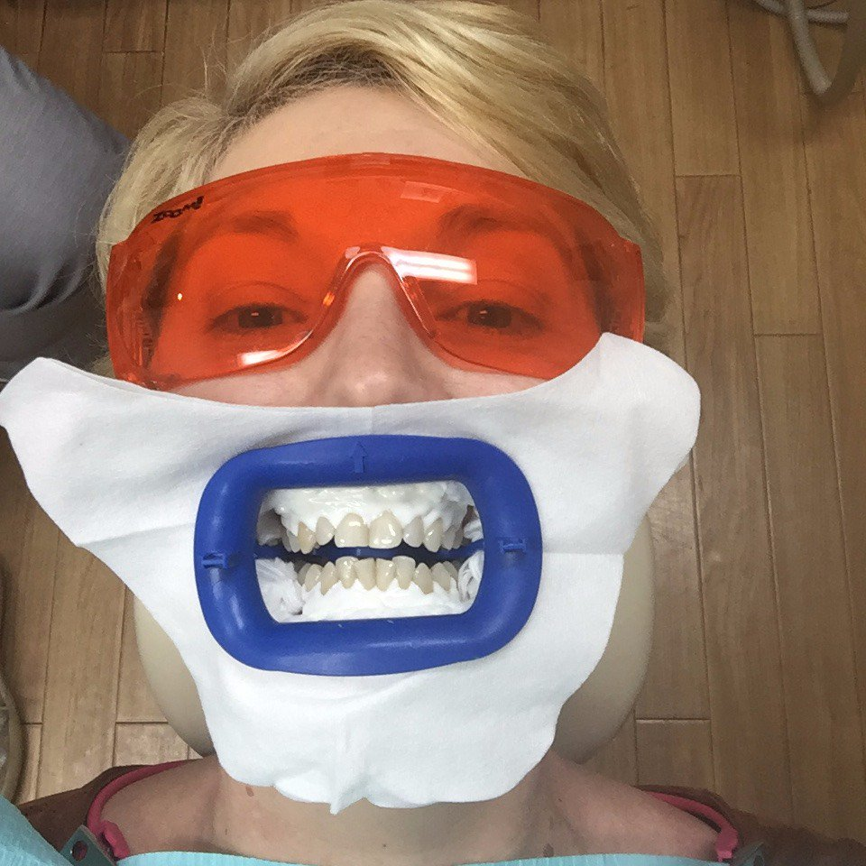 IMPROVING MY PEARLY WHITES–MY ZOOM IN-CHAIR TEETH WHITENING EXPERIENCE- http:// bit.ly/2sCmtsX  &nbsp;   #teethwhitening #zoom #whiteteeth #blogger<br>http://pic.twitter.com/cBSvGX38sm