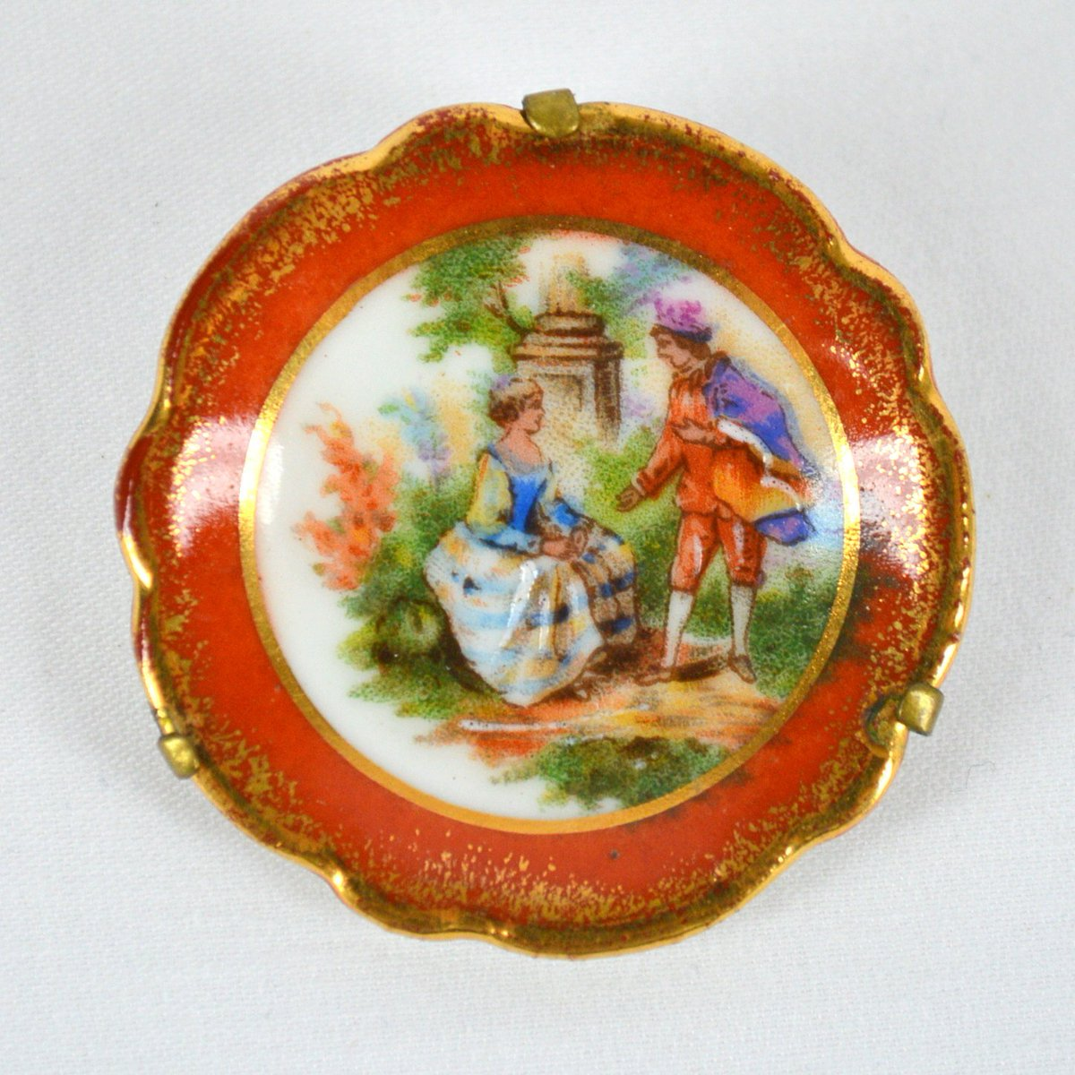 Limoges Plate Brooch Prince and Princess Rust Border with Gold cir…  http:// etsy.me/2rEhntM  &nbsp;   #CheapChic #HappyNewYear <br>http://pic.twitter.com/RB2SYNv5Sp