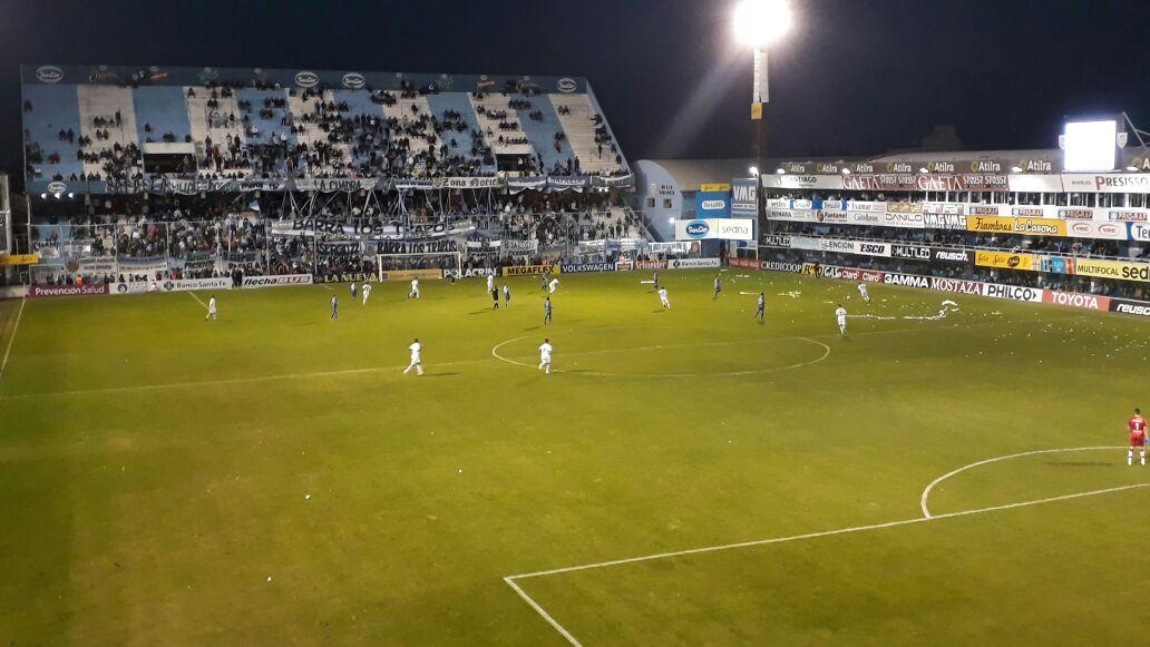 20&#39;ST #Atlético 1 vs 1 #Quilmes<br>http://pic.twitter.com/15B4toOZAz