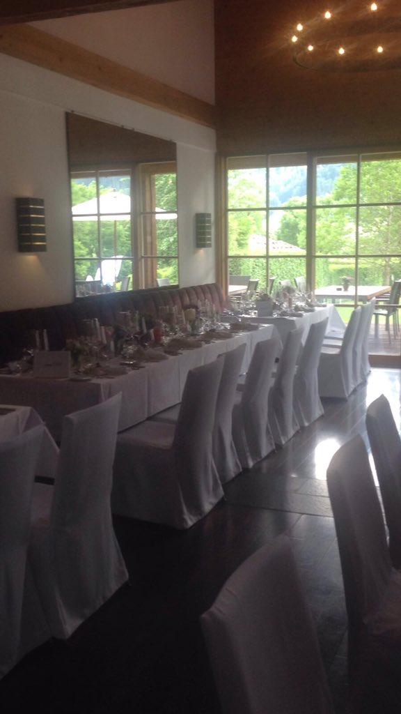 Beautiful setting for one of today's weddings! https://t.co/lfNxbU4vNt