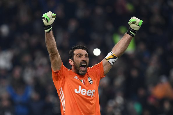 No #BallonDor for #Ronaldo! No for a criminal Player! Ist for the best! And this is Gigi #Buffon! Thats would be fair! And #GoldenGlovepic.twitter.com/jUpN5DGoFu