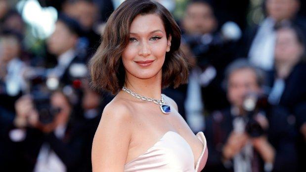 #Bella Hadid &#39;rejects @LeoDiCaprio's #Romantic:  http://www. mambolook.com/leonardo-dicap rio &nbsp; … ,  http://www. mambolook.com/link/10383554  &nbsp;  <br>http://pic.twitter.com/bpu8k9qZxo