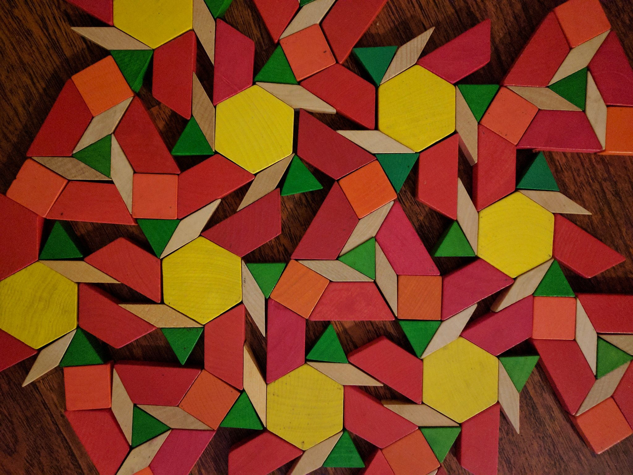 Not sure if my pattern block creation is exactly a perfect tessellation, but it's close... Happy #worldtessellationday https://t.co/Tj7QmGXbBy