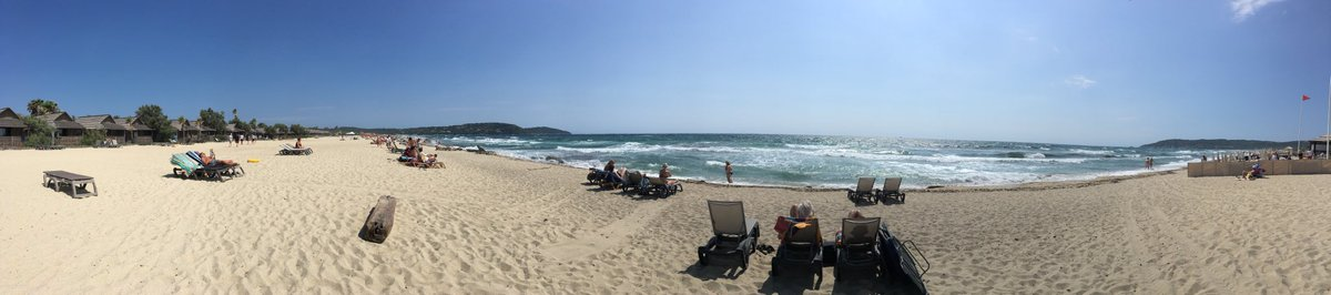 Happy Sunday #beachlife #sttropez #pampallone #CotedAzurFrance #sunnybeach #lazy<br>http://pic.twitter.com/41tZdTOUFc