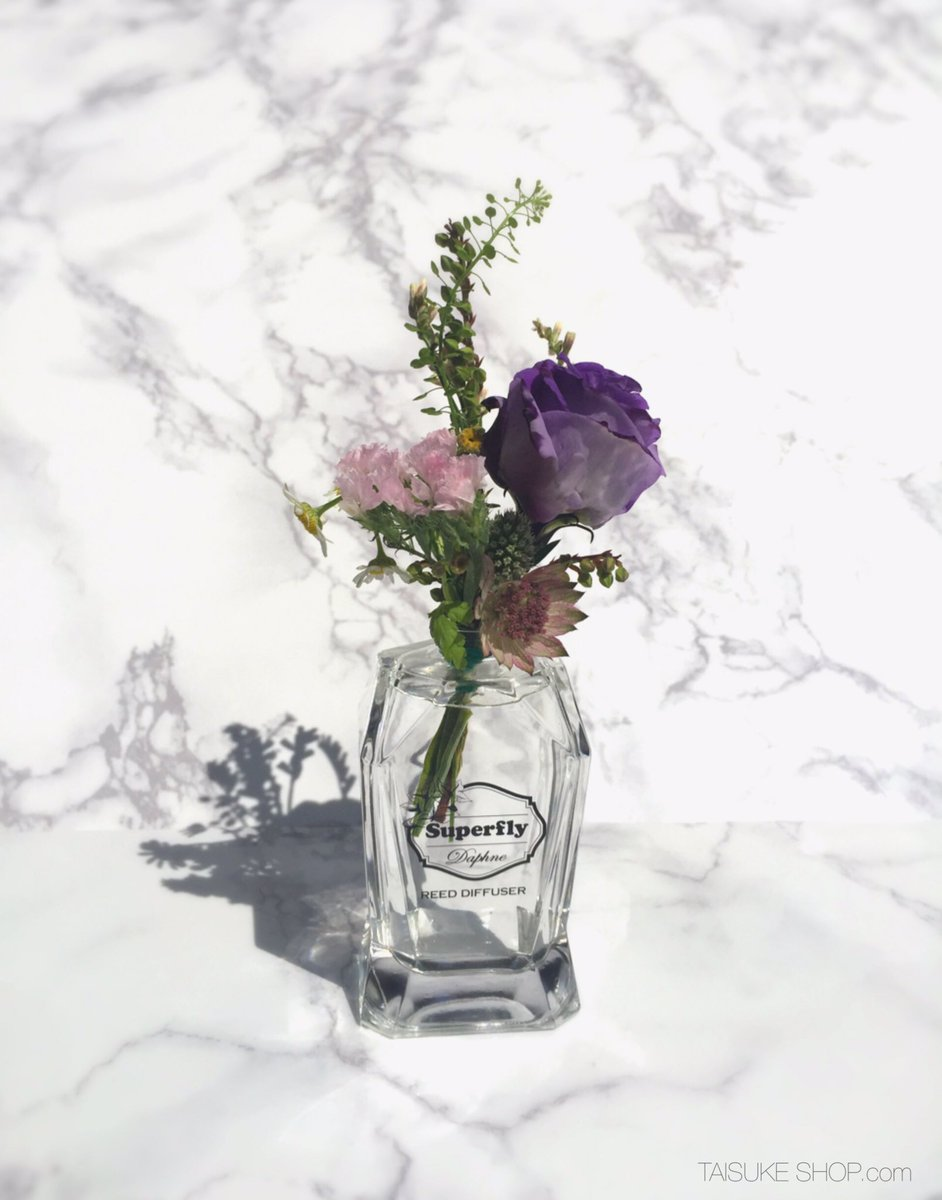 Superflyが香りをプロデュースしたルーム ディフューザーは瓶も可愛いので、使った後もインテリアとして使用できてオススメです