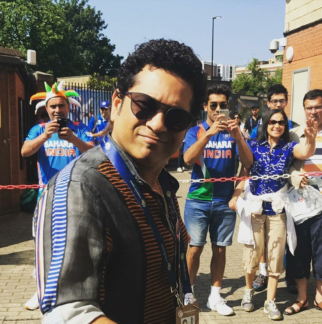 The Master at Kennington Oval @sachin_rt #INDvPAK #CT17Final #CT17 htt...