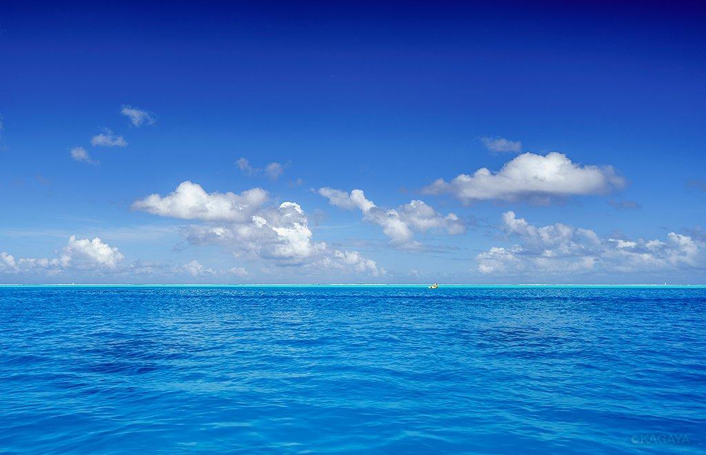 海と空のグラデーション。 (タヒチ、ボラボラ島にて一昨日撮影)