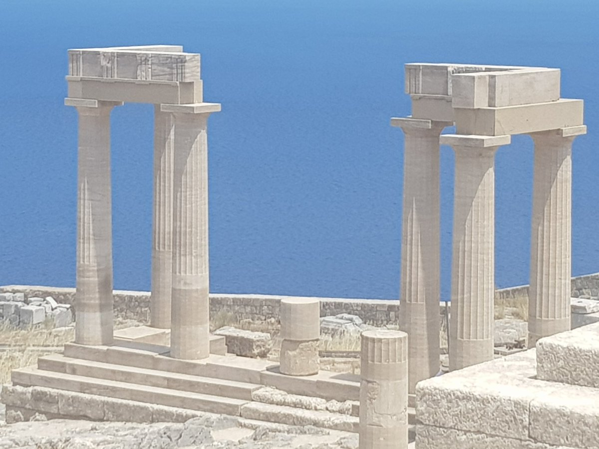 Feeling like a first knight&#39;s lady  #Lindos medieval castle &amp; #Acropolis #Rhodes  #Greece<br>http://pic.twitter.com/WH7VtB6zAh