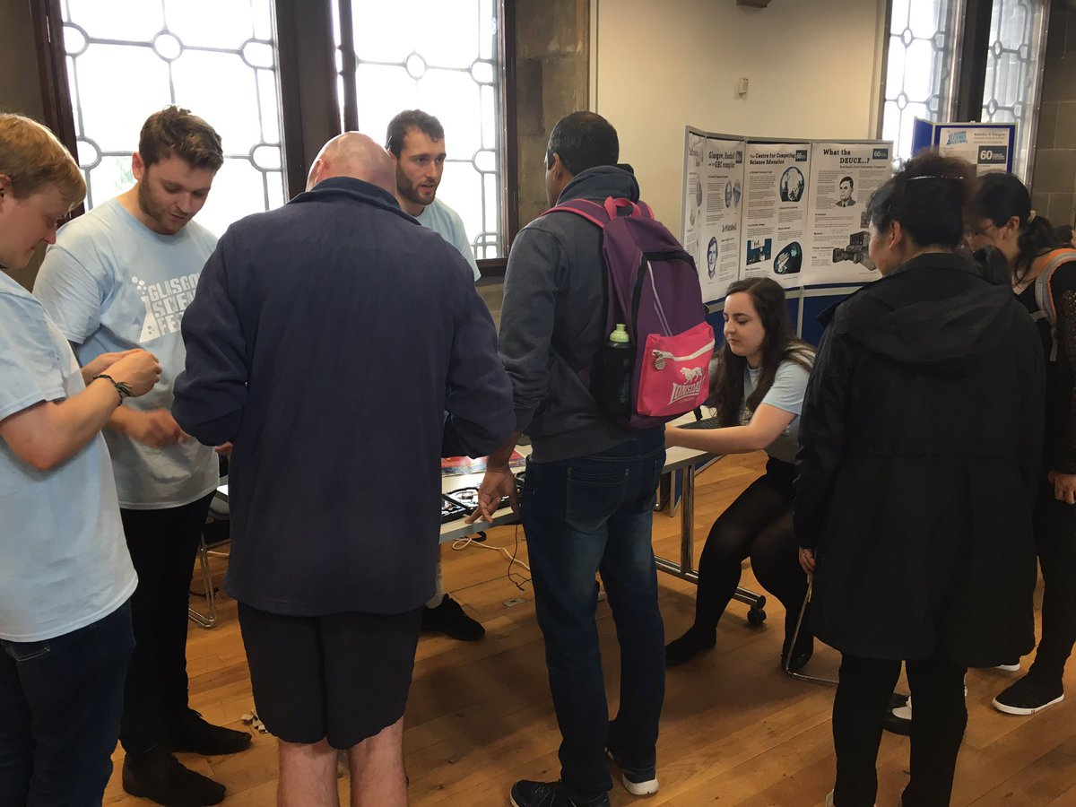 @GlasgowSciFest still going strong! #sciencesunday come and visit us to learn about magnetics, cloud storage @Raspberry_Pi and #BigData !<br>http://pic.twitter.com/j8FjlaNN7s