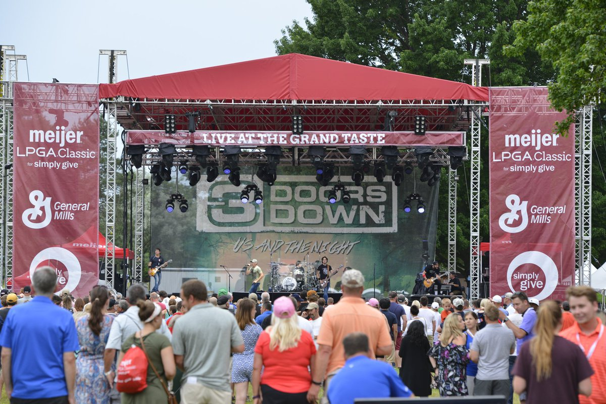 GREAT concert last night with @3doorsdown @MeijerLPGA! https://t.co/eJ...