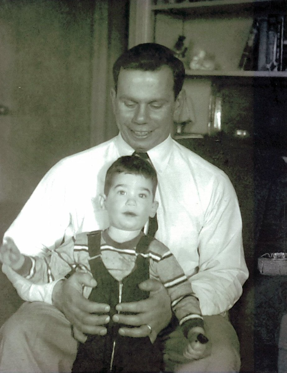 Little guppy, Roger, with his big #fish, George.  #HappyFather&#39;sDay<br>http://pic.twitter.com/IC4QwyaMDN