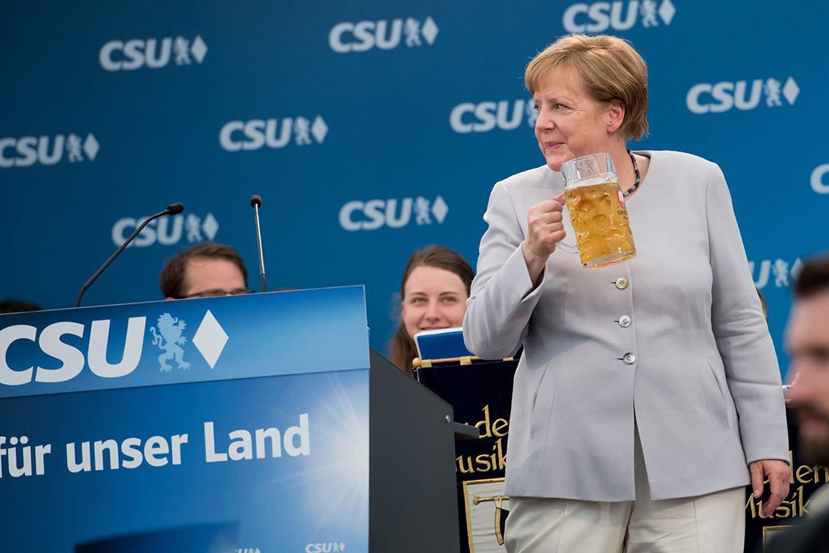 Após ver a postura de Trump na Otan e no G-7, Merkel decidiu que a Europa não pode mais confiar nos EUA. https://t.co/MK7W12djcS