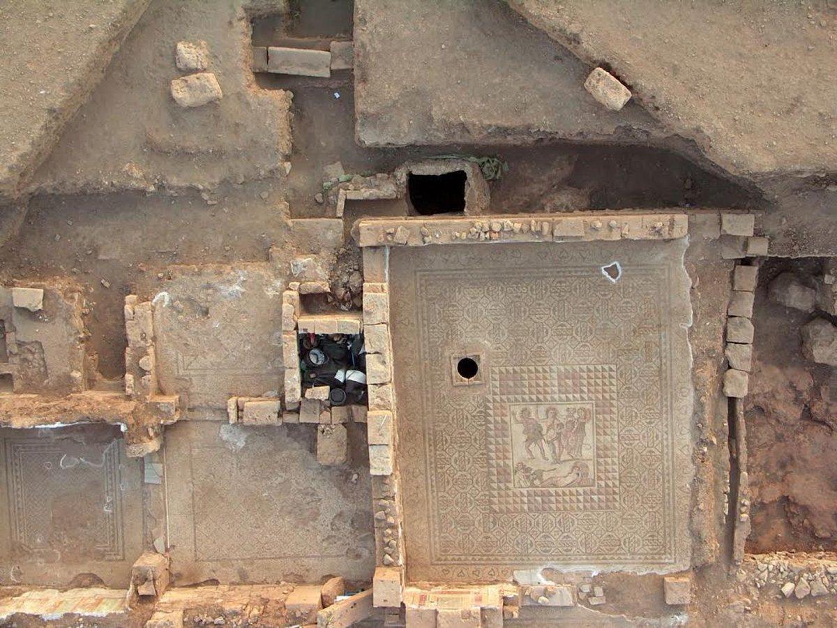 Villa romana com mosaicos intactos foi descoberta por arqueólogos na Líbia https://t.co/XDdJnxnnV6