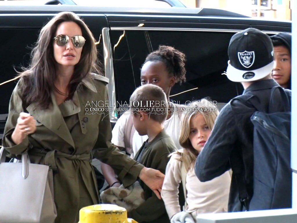 Angelina jolie skinny - d