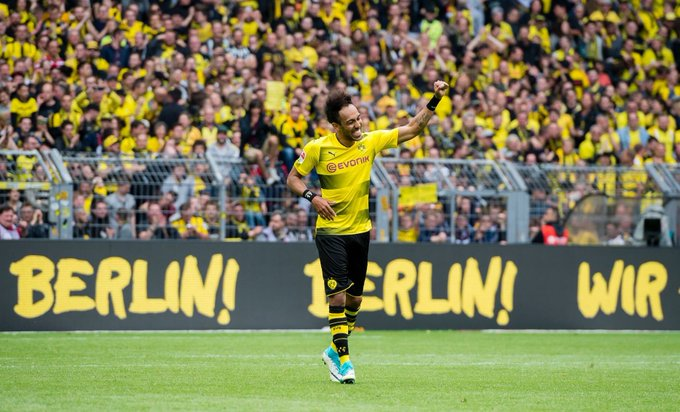 A very happy 28th birthday to our beloved striker Pierre-Emerick Aubameyang! (Please stay)