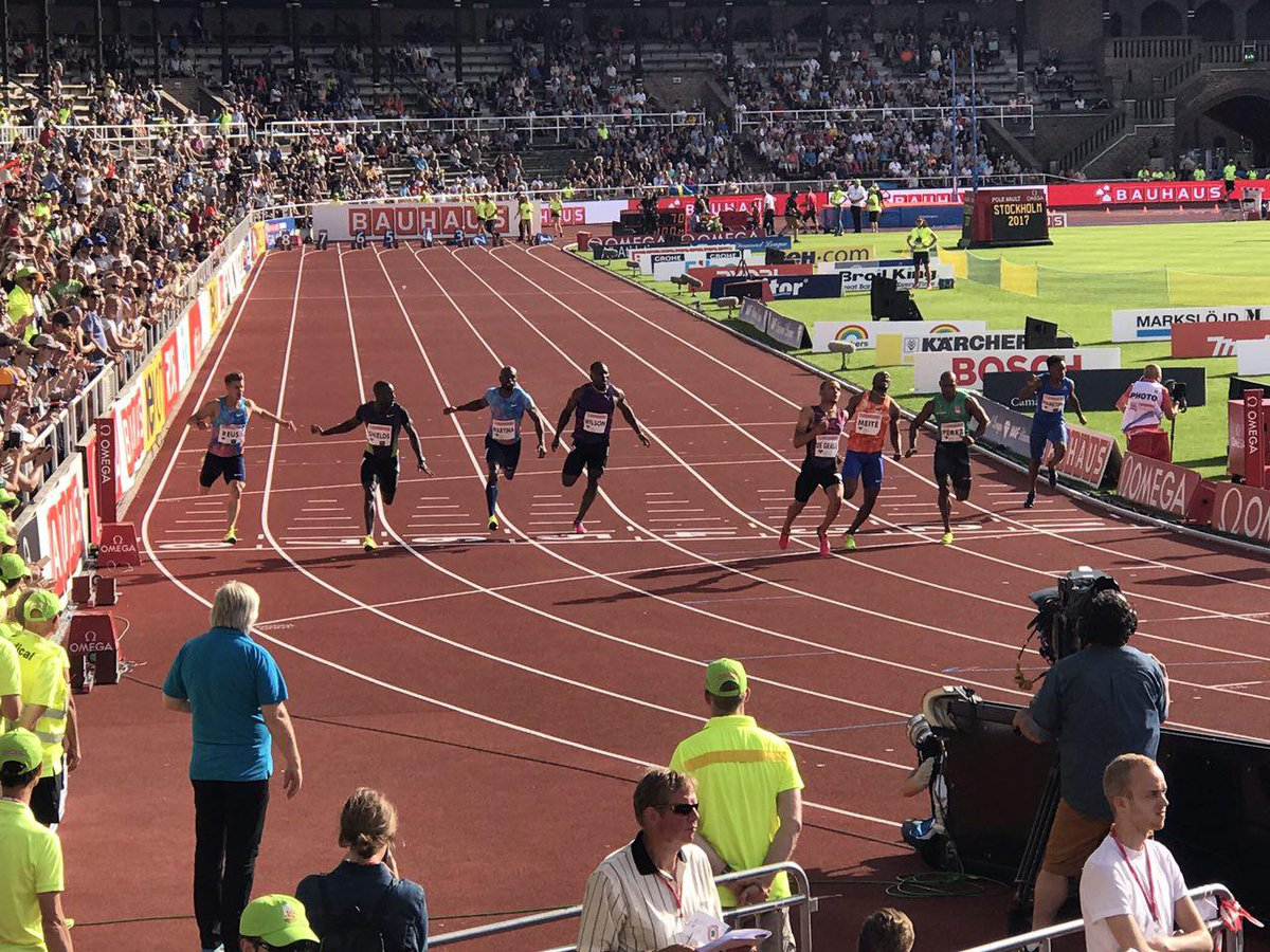 Whoosh!!!! Andre De Grasse with a WL and MR with victory in the men's...