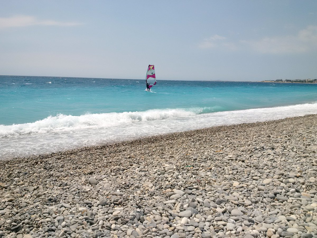 Summer time with warm temperature and wind to enjoy the beach spend #NiceMoments with us &amp; @VisitCotedazur #FrenchRiviera #frenchmerveilles <br>http://pic.twitter.com/9WFvihJN4b