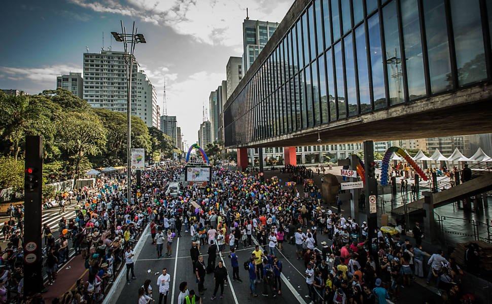 Evento em SP: Parada LGBT tem protesto contra governo Temer https://t.co/wJz3GI74RM