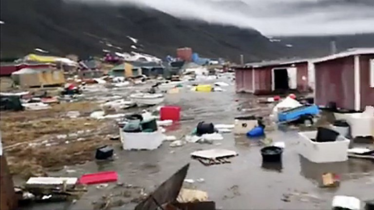 Terremoto provoca tsunami in Groenlandia | Video YouTube