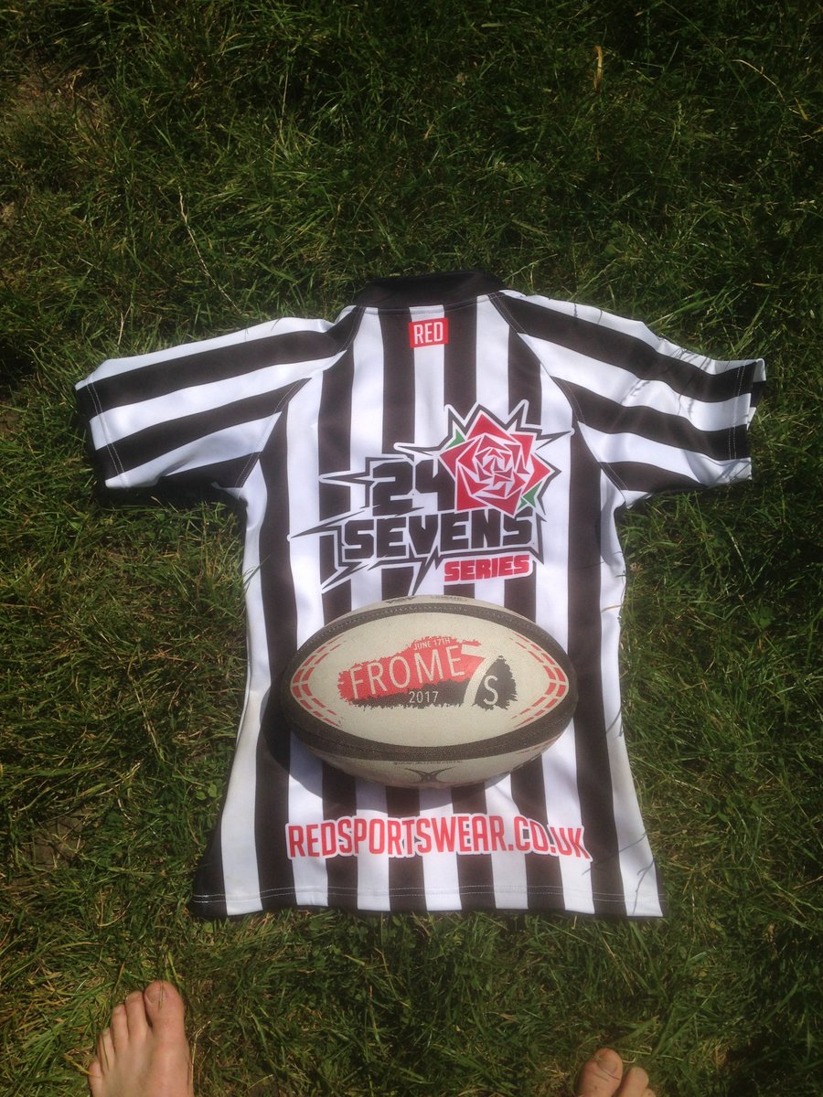 Fantastic day refereeing @FromeRFC7s with @SomerRugbyRefs was an amazingly run event and can&#39;t wait till next year! #rugby #referee #rugby7s <br>http://pic.twitter.com/xsaGEQDCLj