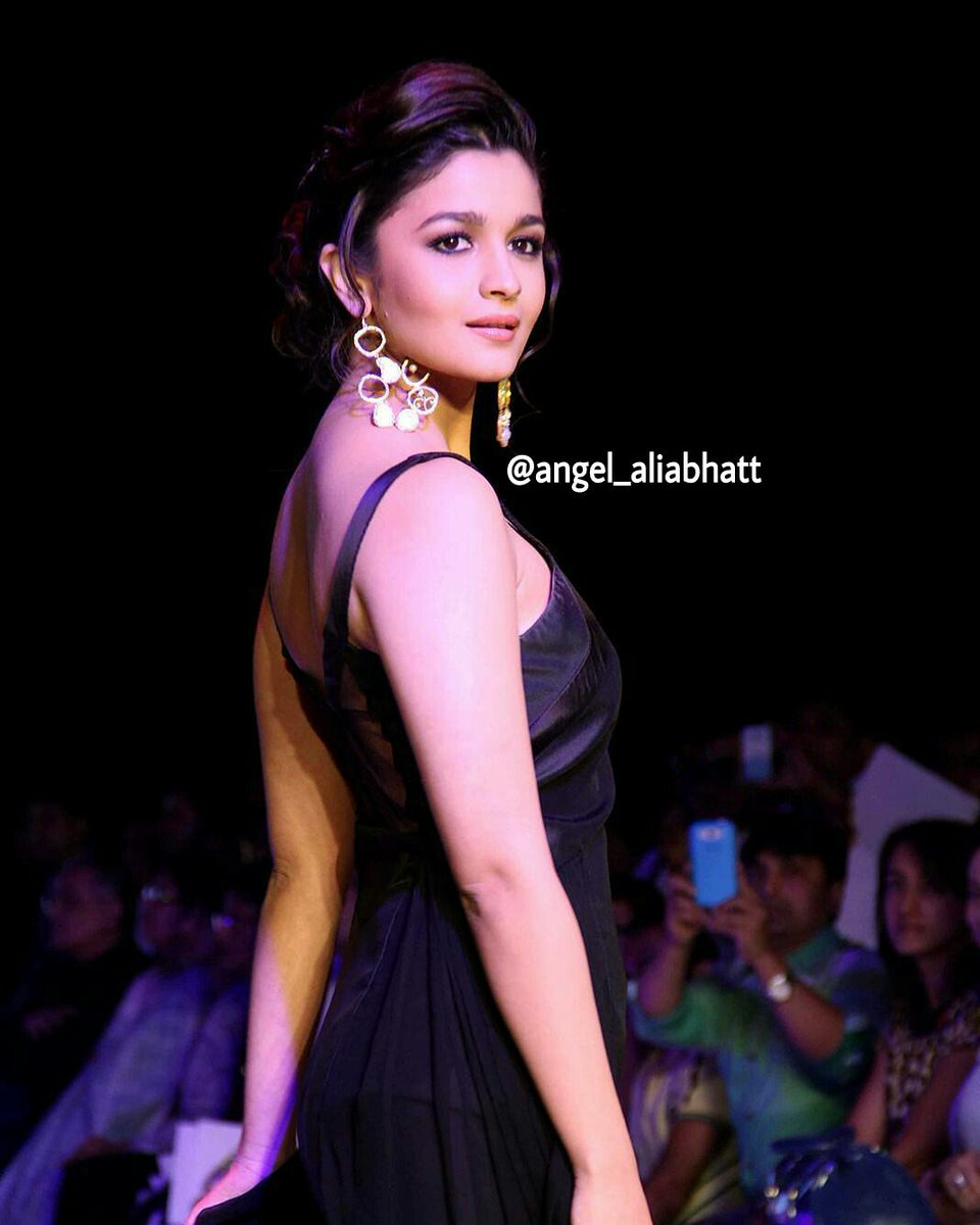 Beauty  @aliaa08  #AliaBhatt #angel_aliabhatt #beauty #Bollywood #FolloMe<br>http://pic.twitter.com/qxKs88DtJd