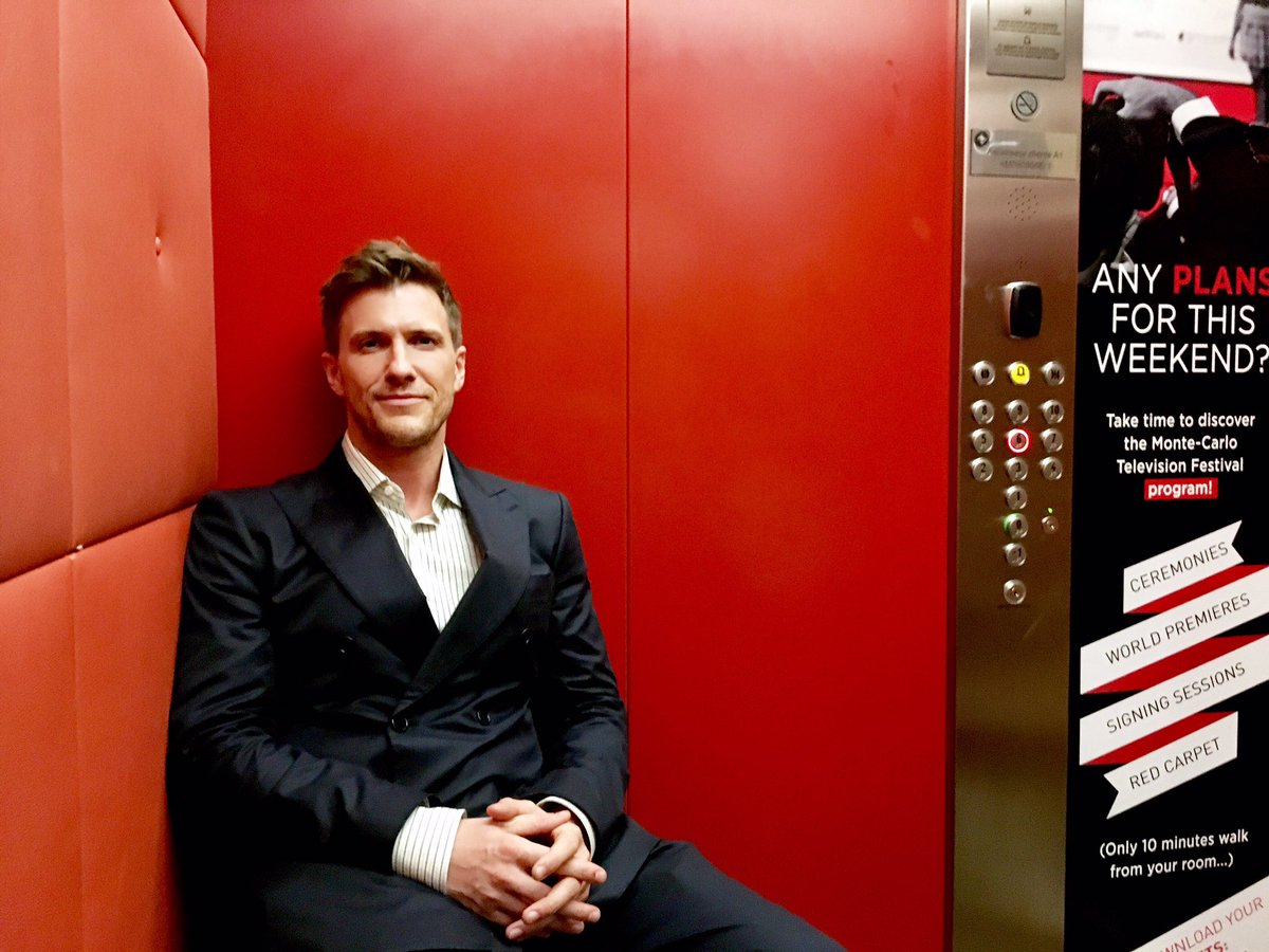 Did you know the elevators in #montecarlo come with benches? They do NOT, however, come with @heusinger s. Who can we talk to about this??<br>http://pic.twitter.com/3LM5hKcAQg