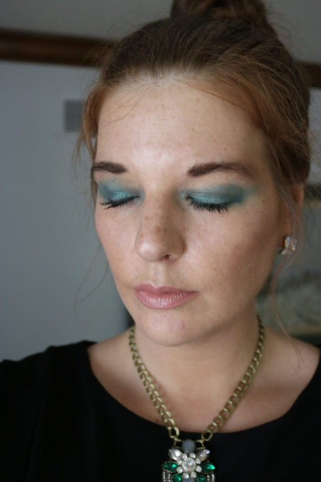 Cannes 2017: Deepika Padukone L'Oreal Makeup Look