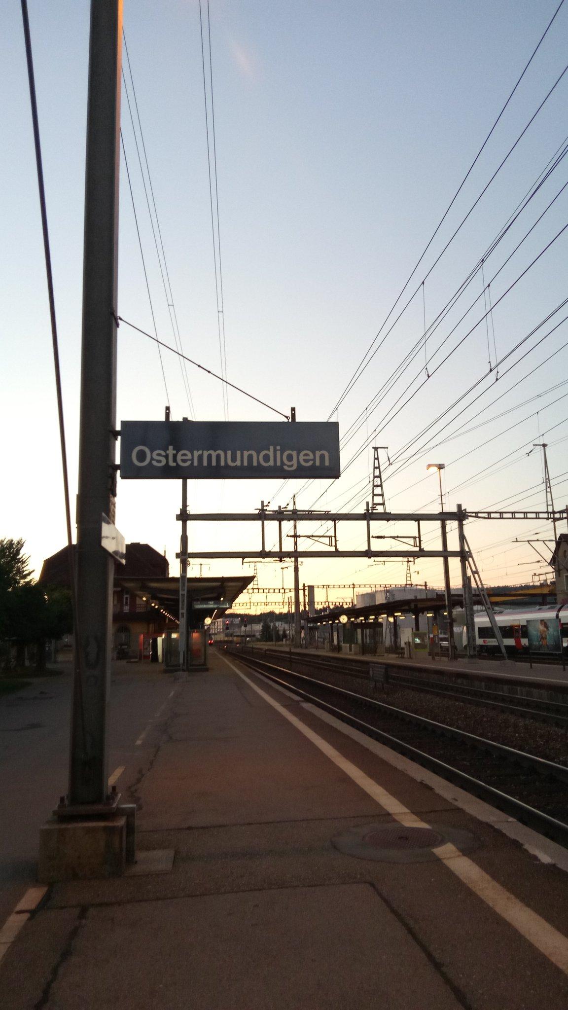 Bereits unterwegs nach Duisburg... #archive20 #archivcamp https://t.co/8DNlSybEM1
