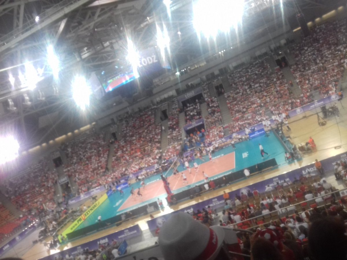 This is volleyball #POLUSA   <br>http://pic.twitter.com/jaXxbHwxH3