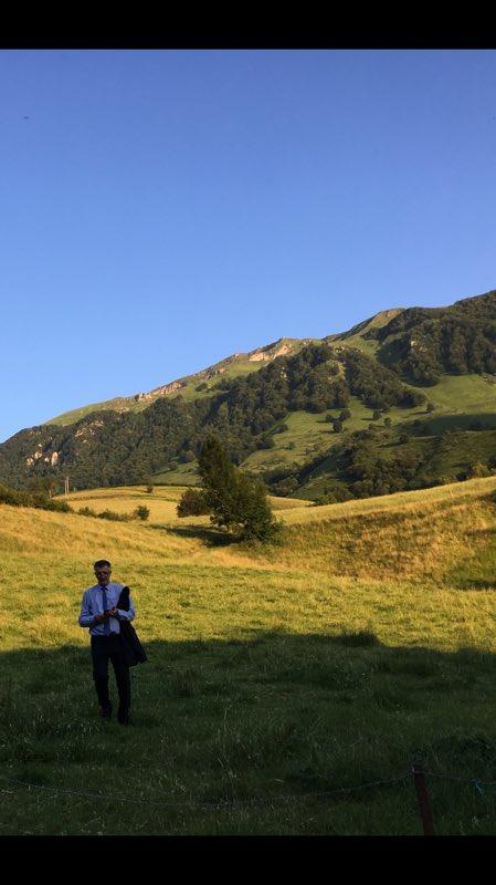 J'exprime ma très profonde reconnaissance aux basques et aux béarnais qui m'ont renouvelé leur confiance.